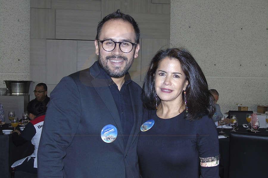 Jesús Martínez Jr. y Susy Orizaga