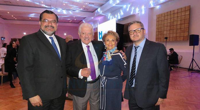 Octavio Aguilar, Julio Laguna, Alicia Valles y Julio Laguna Jr.