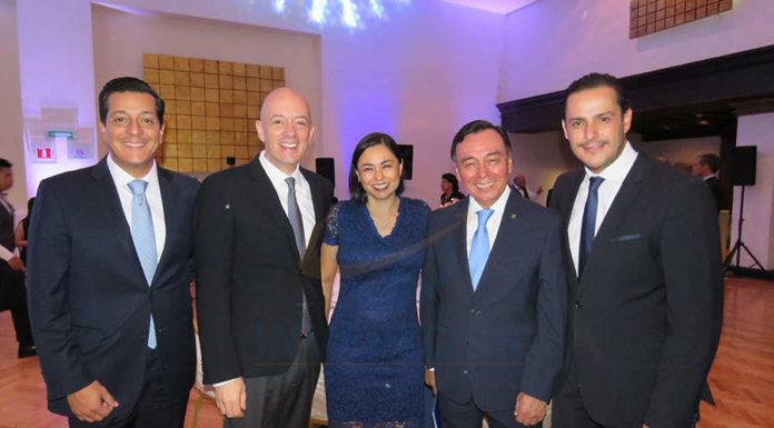 Giancarlo Mulinelli, Nicolás Ferri, Sandra Luna, Josué Meza y Javier Galicia