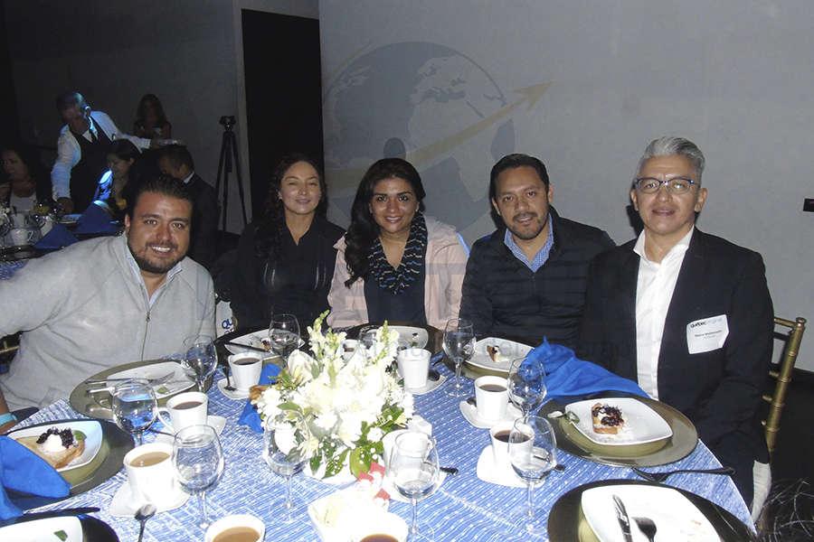 Luis Jiménez, Erika Moreno, Alejandra Andrade, Aldo Colín y Marco Maldonado