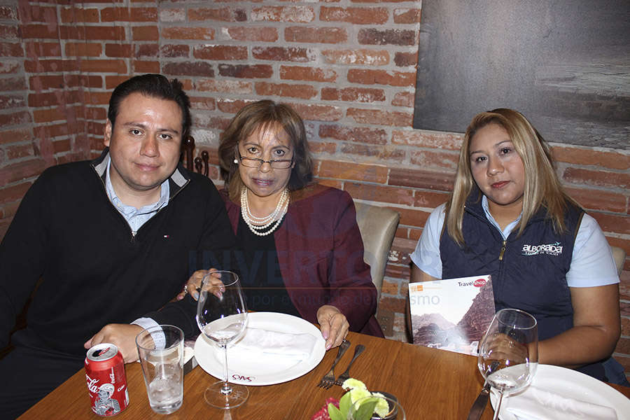 Iván Mancera, María Magdalena Andrade y Janet Calzadilla