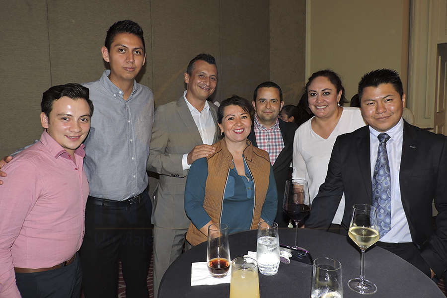 Víctor Jiménez, Raúl Martínez, Francisco Bravo, Samantha Vega, Mauricio Bustamante, Karla Coxtinica y César Carballo