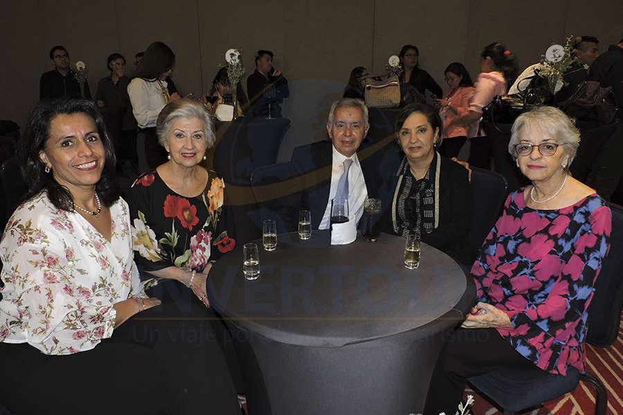 Nora Negroe, María Luisa Luengas, Rafael Galván, Toni Hop y Ana Soto