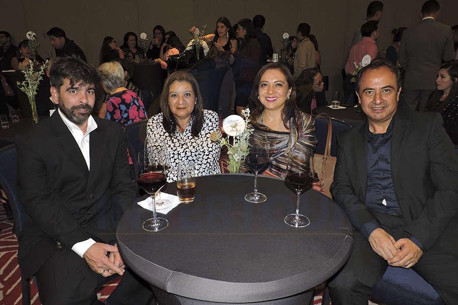 Osbel Leyva, Mara Hernández, Claudia González y Javier Matamoros