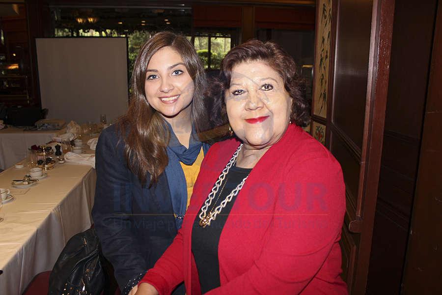 Estefania Carmín y Ana Lena del Castillo