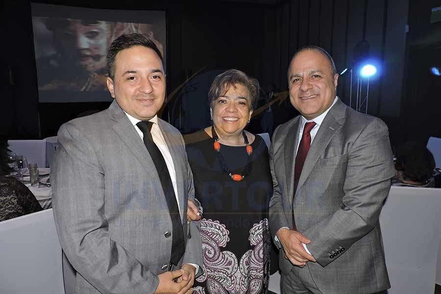 Oscar Girón, Maru Bravo y Benjamín Izquierdo