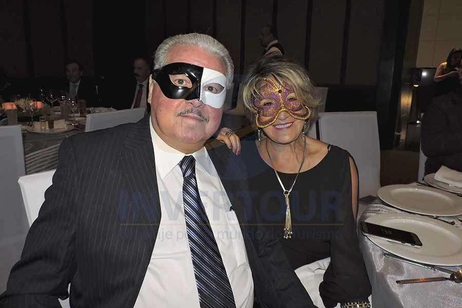 Javier Padrón y Connie Martin