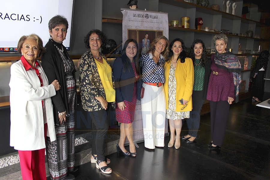 Alicia Valle, Maylen Jean, Consuelo Sánchez, Brenda Alonso, Marta Macías, Yarla Covarrubias, Alicia Noguez y Alma Rebscher