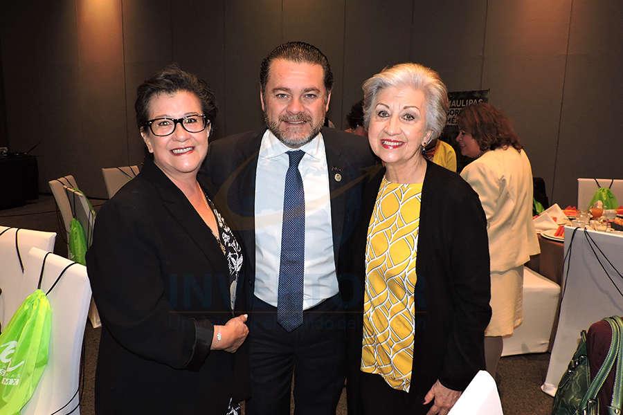 Edith Aguilar, Fernando Olivera y María Luisa Luengas