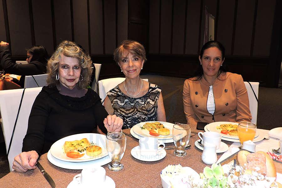 Berenice Lozano, Olga Pulido y Amanda Medina
