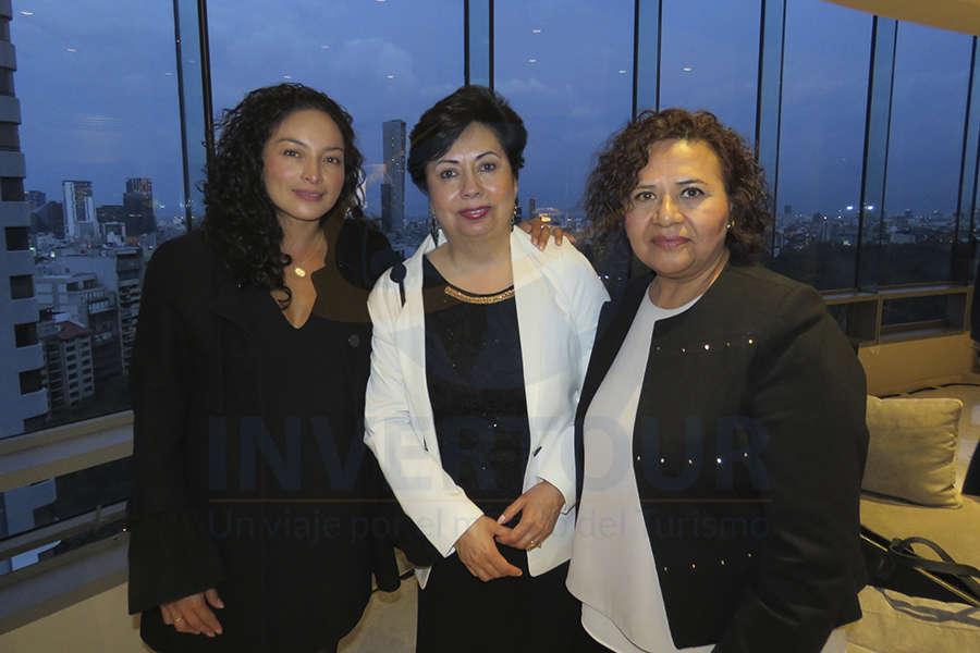 Erika Moreno, Isabel Flores y Silvia Landa
