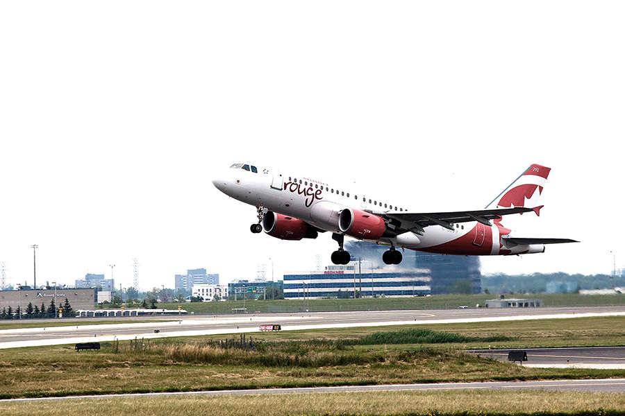 AIR CANADA ROUGE - Les vols inaugurals d'Air Canada rouge