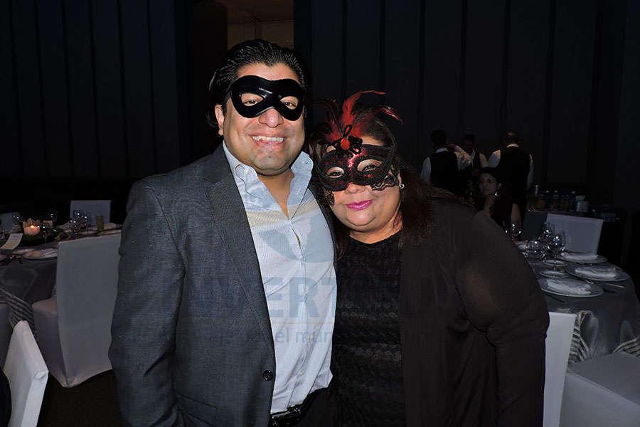 Edgar Ramírez y Celida Puente