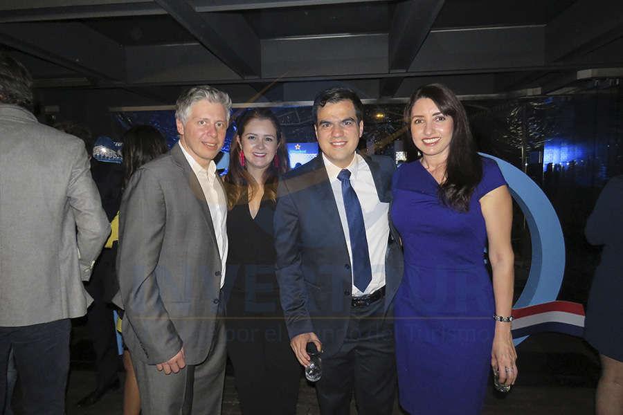 Leonardo Bortolin, Mónica Cárdenas, Tony Cantú y Verónica Reynosa