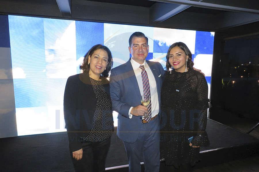 Mónica Villaseñor, Daniel De Simone y Mariana Necoechea