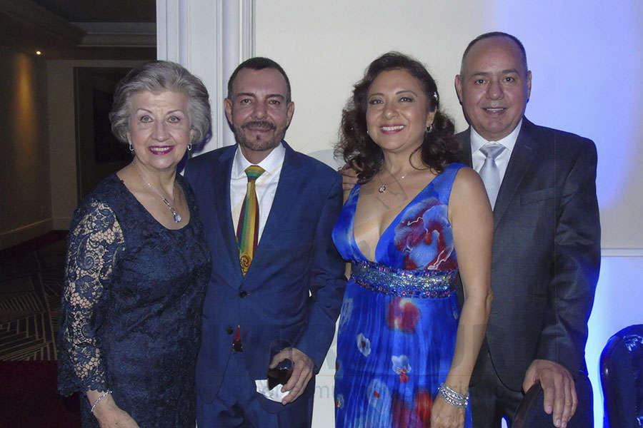 María Luisa Luengas, David Garduño, Claudia González y Humberto Avelar