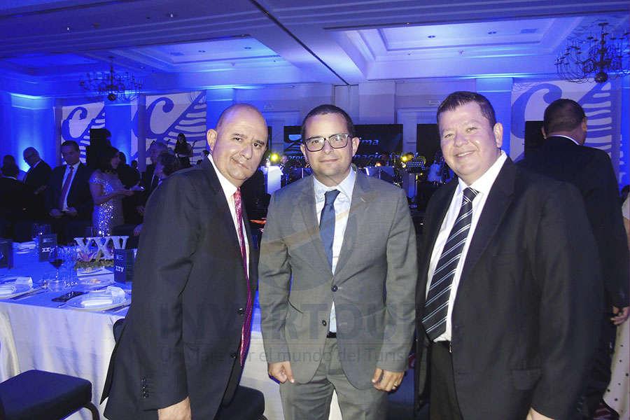 Víctor Cervantes, Mauricio Bustamante y Adrián Garza