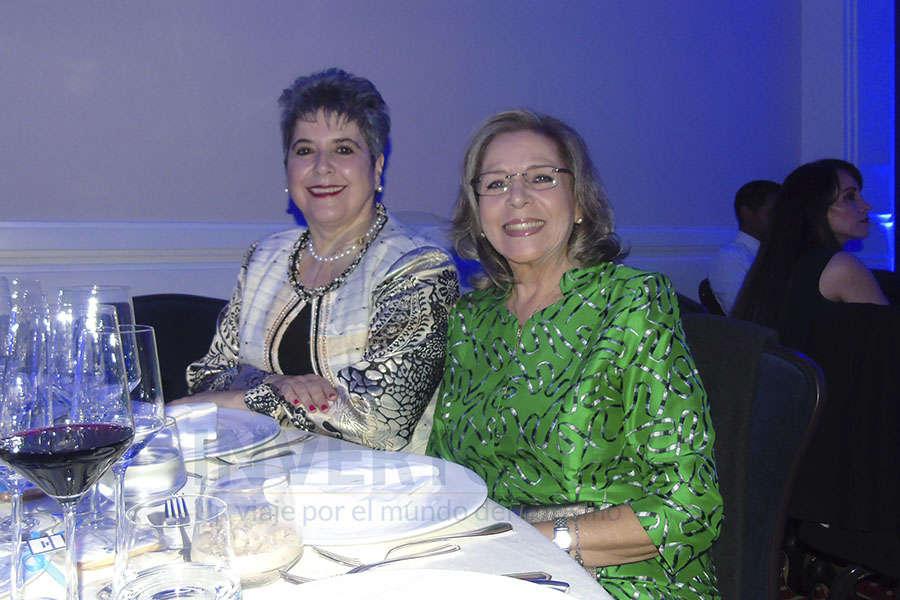 Yvette Vinay y Mildred Coello