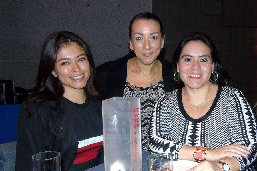 Liz Naranjo, Andrea Zires y Carmen Almazán