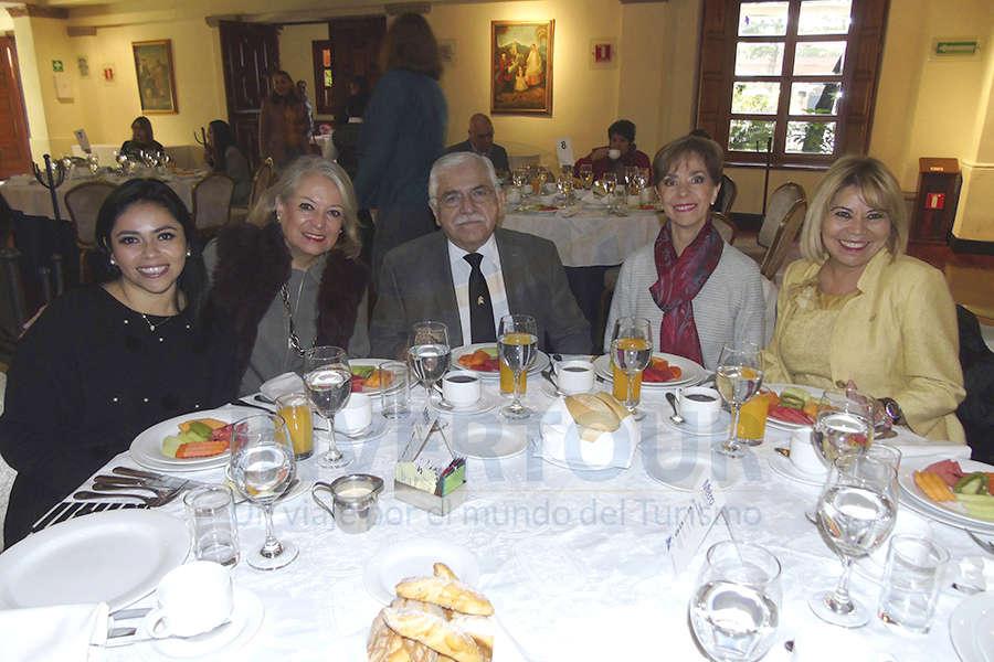 Mariana Pérez, Vita Vega, César Romero, Olga Pulido y Alicia Mejía