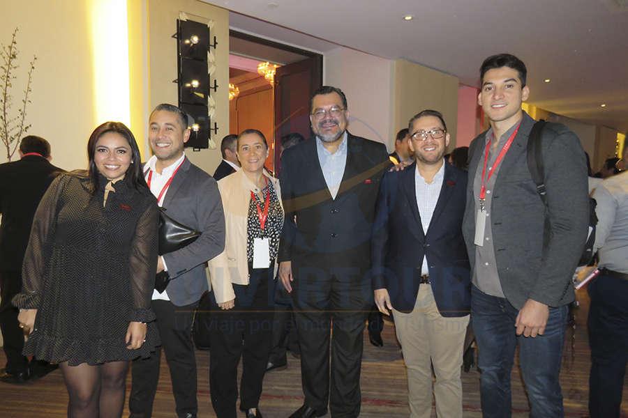 Mariana Pérez, Rubén Mora, Sylvia Esquivel, Octavio Aguilar, Esteban Velásquez y Armando Osuna