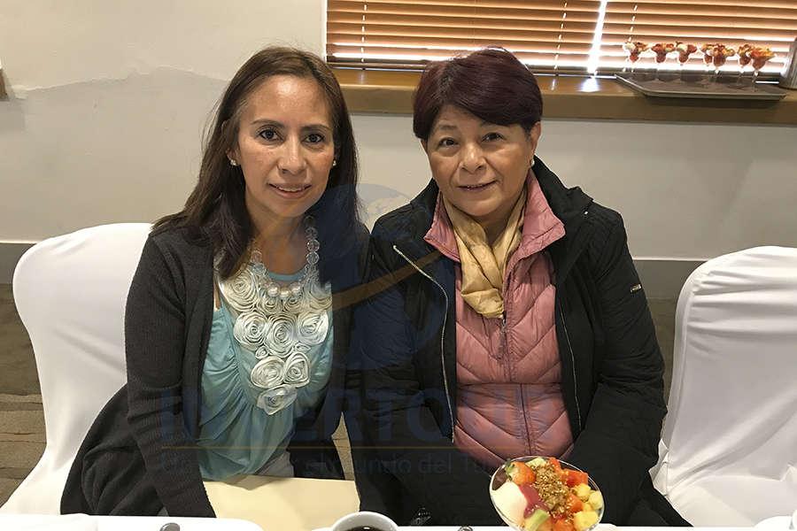 Karelia Paralizabal y Rocío Aguilar