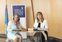 Evelyna C. Wever-Croes y Gloria Guevara