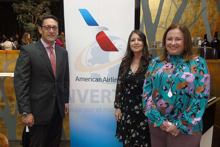 Vicky Uzal, José María Giraldo y Martha Pantín