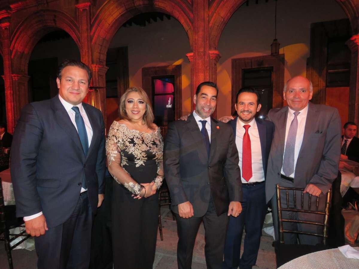 Roberto Trauwitz, Rosa Zepeda, Rafael Aponte, Pepus Trauwitz y Juan Carlos Rovira