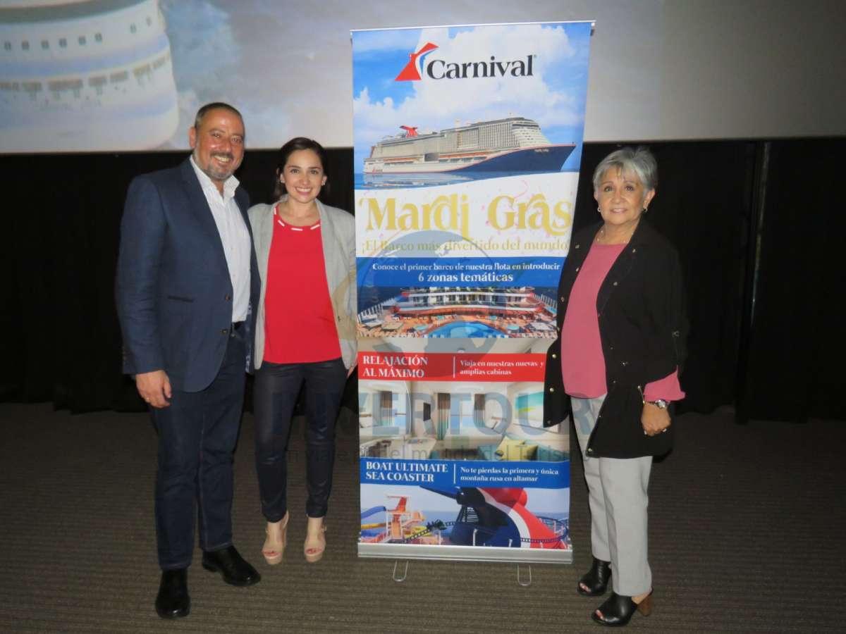 Juan Carlos Yebra, Paola Riquelme y Lilia Riquelme