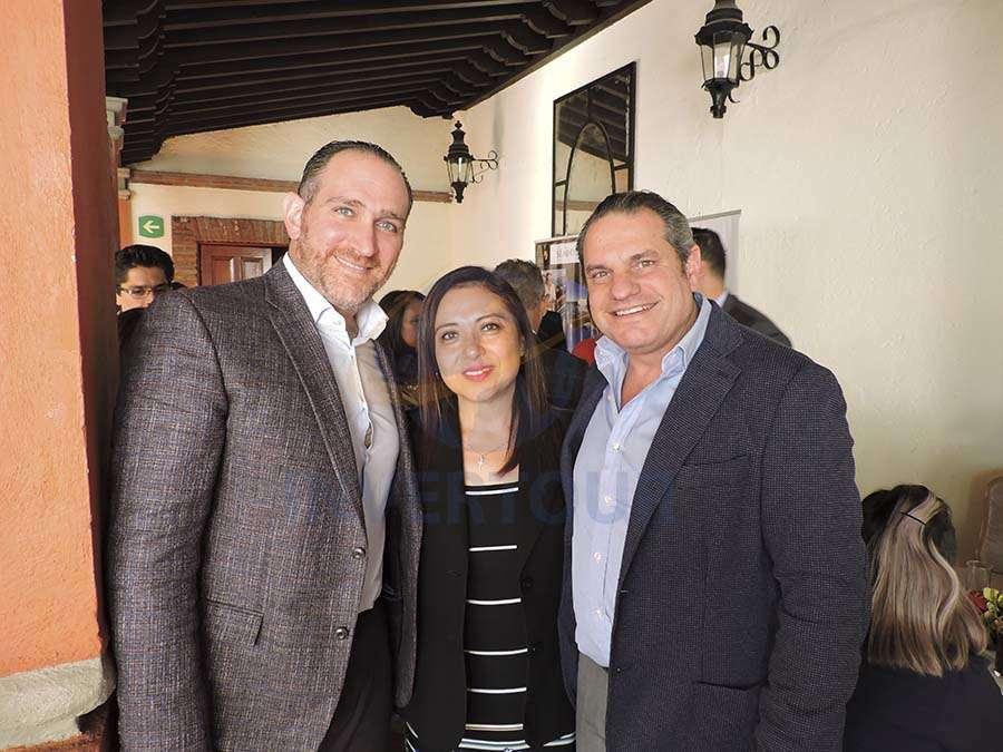 Miguel Kably, Claudia González y Moisés Braverman