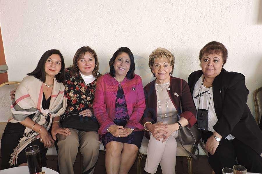 Carmen Mosqueria, Carina Bejarano, Blanca Olivera, Maricela Bartilotti de Kramis y Rosy Delgado