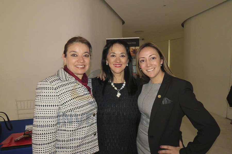 Ma. Eugenia Pierdant, Yarla Covarrubias y Jenny Zapata