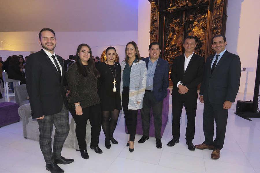 Sergio Sandoval, Ximena Covarrubias, Sandra Luna, Adriana de la Torre, Alberto Cruz, Francisco Bravo y Benjamín Díaz