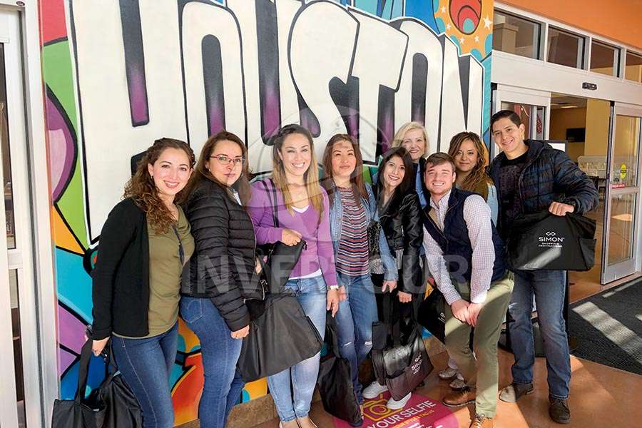 Gilda Cabello, Nahiely Valdéz, Elizabeth González, Edith Terán, Angélica Nápoles, Heidi McMillan, Wesley Mitchel, Edda Ángeles y Miguel Angel Miranda
