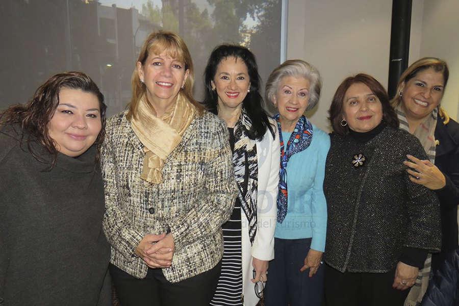 Celida Puente, Graciela Abud, Yarla Covarrubias, María Luisa Luengas, Lupita Gómez y Susana Araujo
