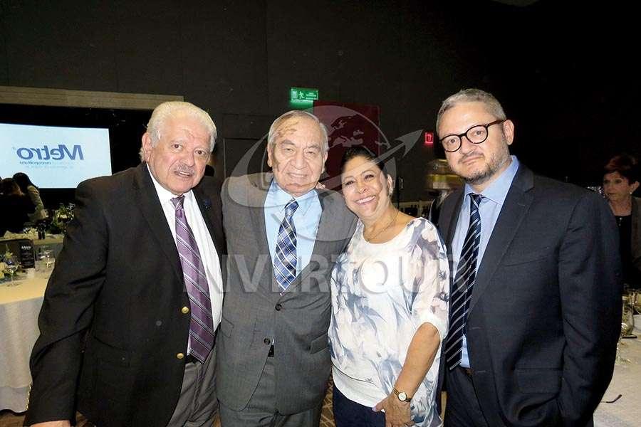 Julio Laguna, Alfredo Torres, Blanca Olivera y Julio Laguna López
