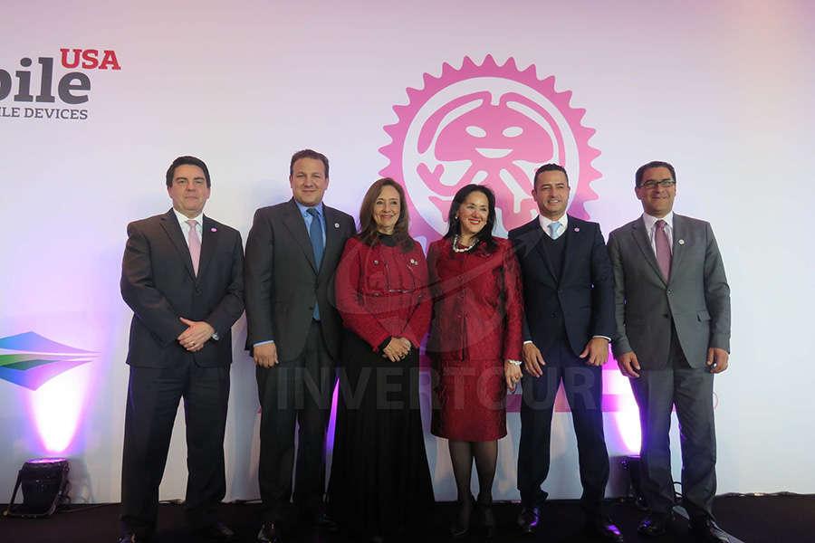 Jorge Goytortua, Roberto Trauwitz, Carmen Torreblanca, Yarla Covarrubias, Jorge Manos y Mauricio Candiani