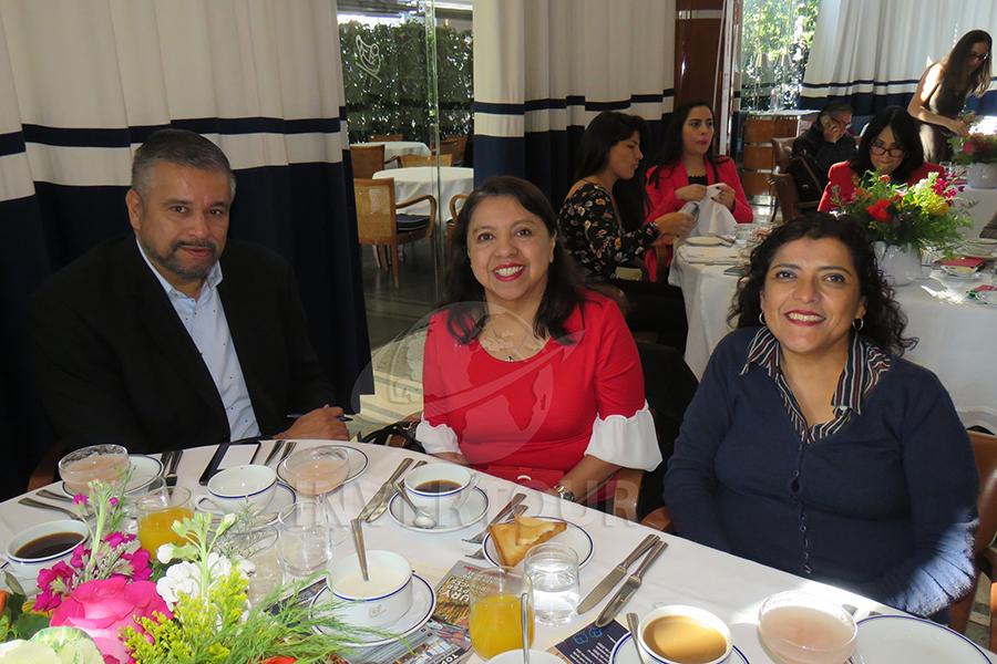 Adolfo Gómez, Rosa María Ruíz y Carmen Solís