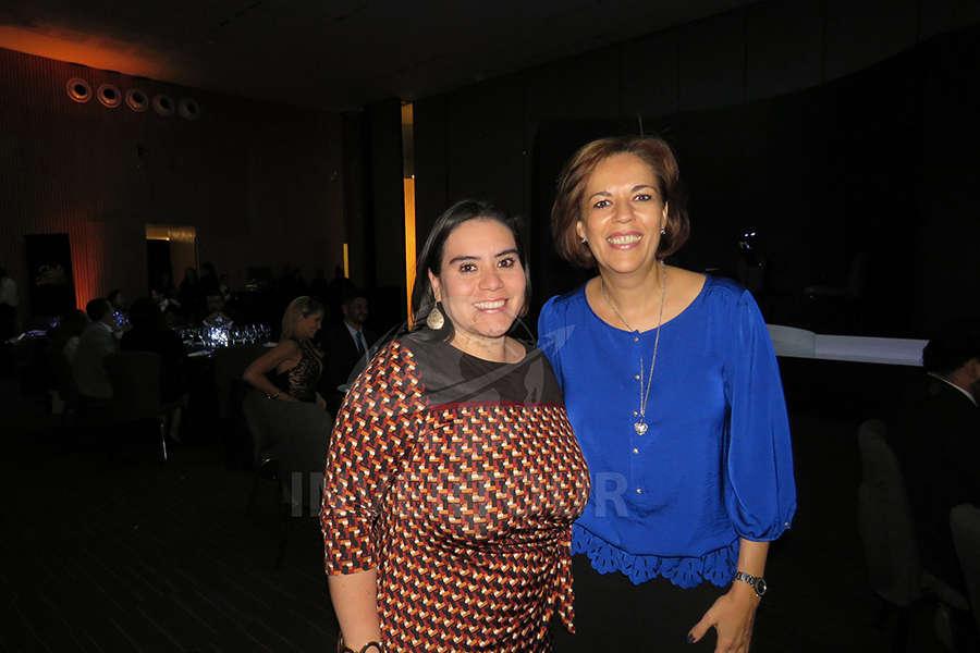 Carmen Almazán y Cynthia Valencia