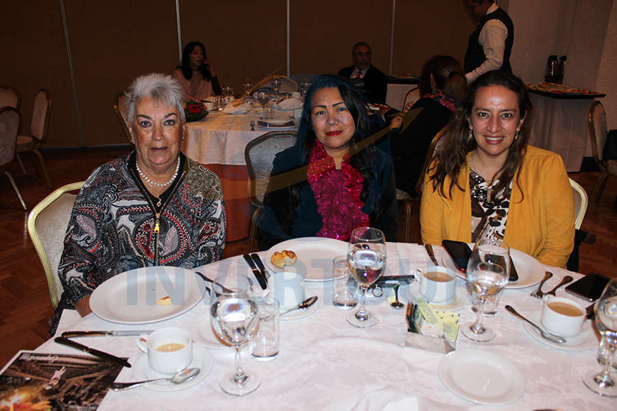 Socorro de Acosta, Mary Carmen Dionici y Ana Laura Guerra