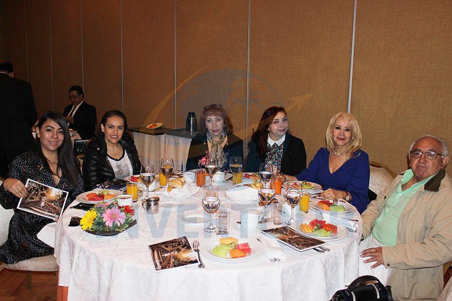 Maribel Martínez, Sandra Espinosa, Perla Parker, Paola Rocha, Lourdes Rocha y Alfonso Rocha