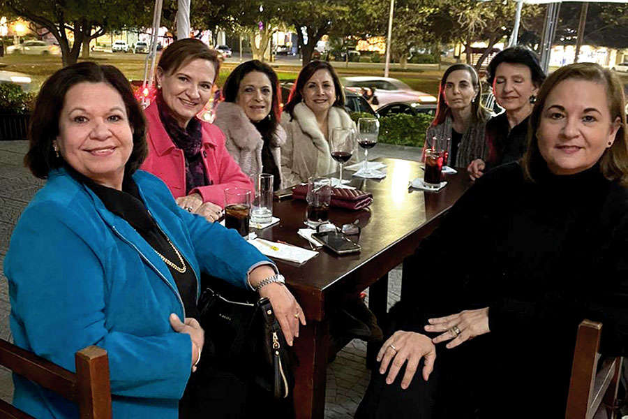 Ángeles Rodríguez, Martha Rodríguez, Adriana Rodríguez,  Antonieta Rodríguez, Rosa María Saca, Vivián Tafich y Ñora Rodríguez