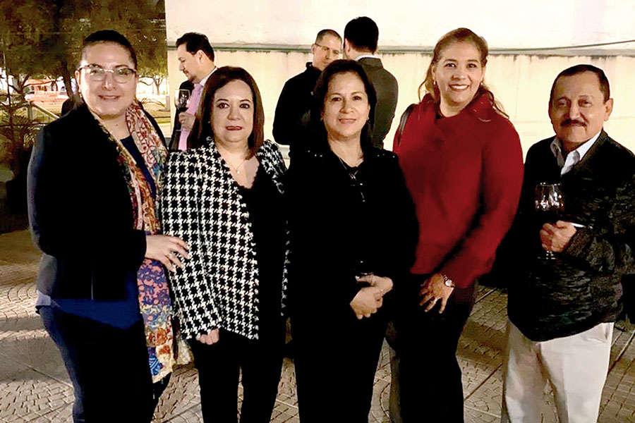Ligia Arce, Ana Barrios, Carmen Ramírez, Leticia Betancourt y Raúl Martínez