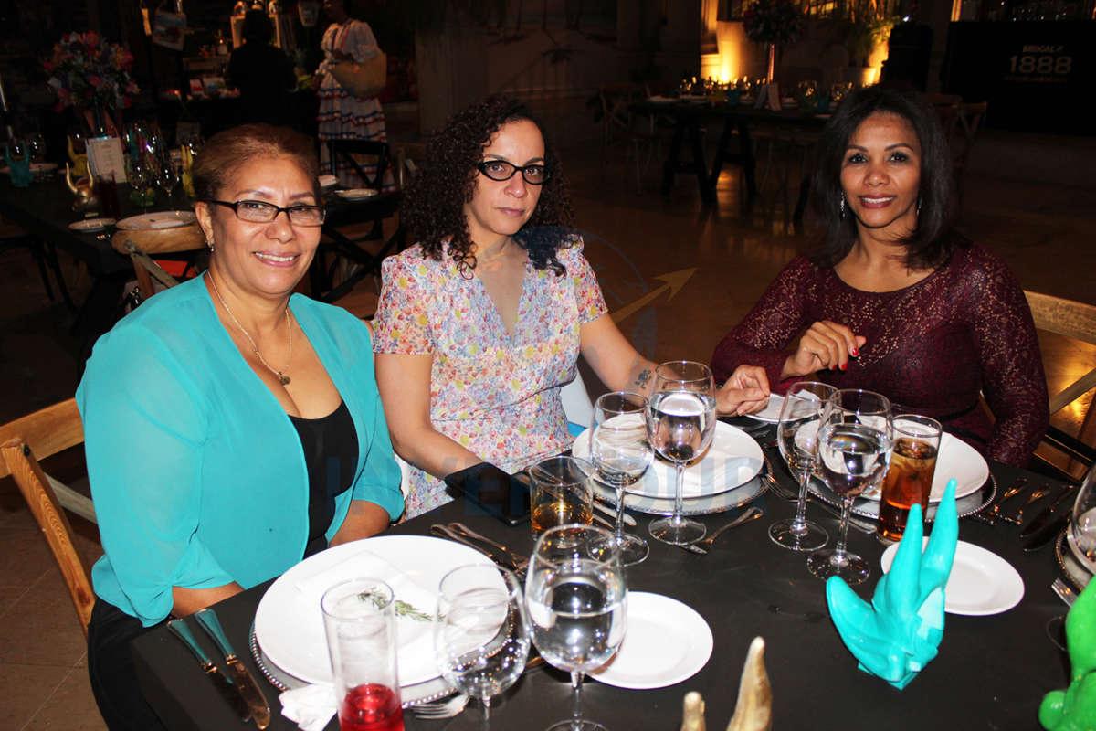 Carmen Rodríguez, Ariadna Vázquez y Caridad Hernández