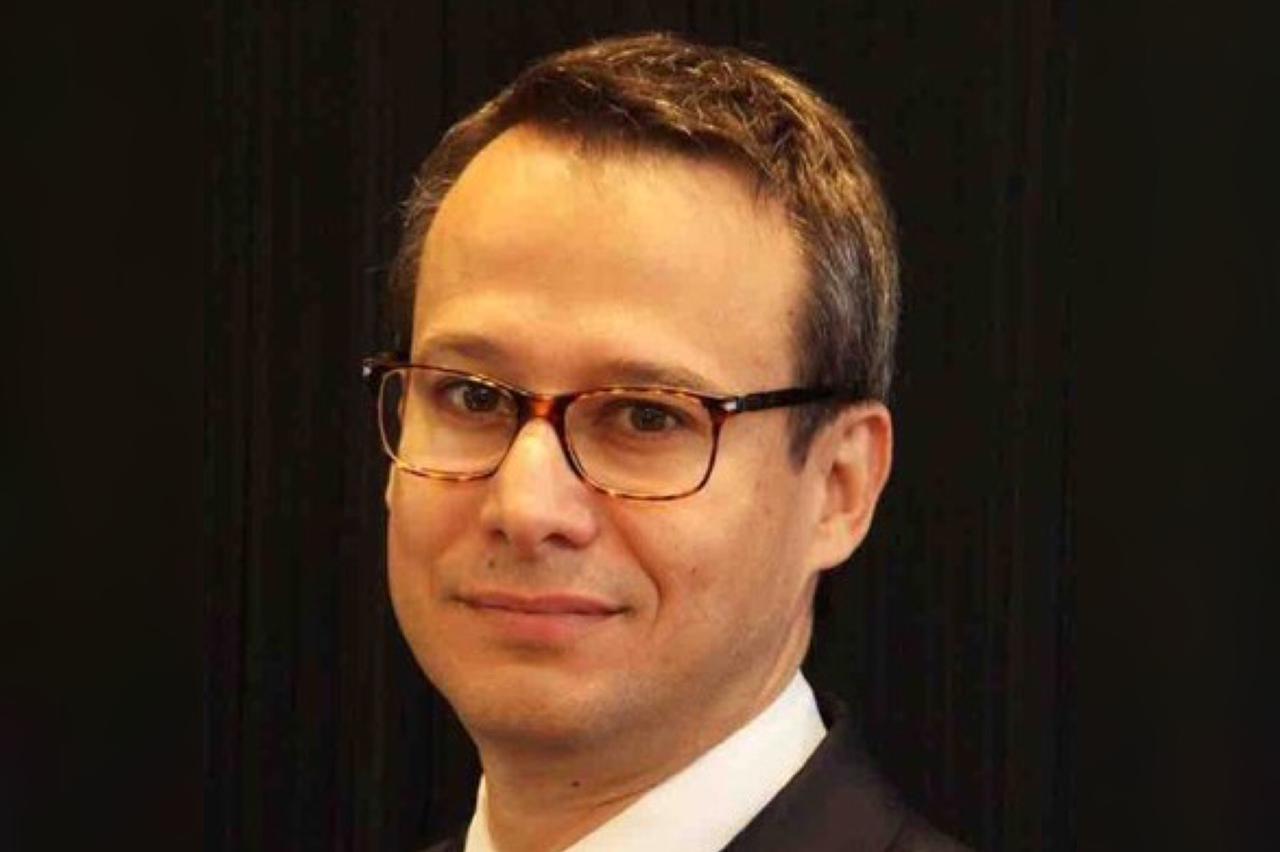 Adrian Neuhauser es el nuevo Presidente y CEO de Avianca   Invertour