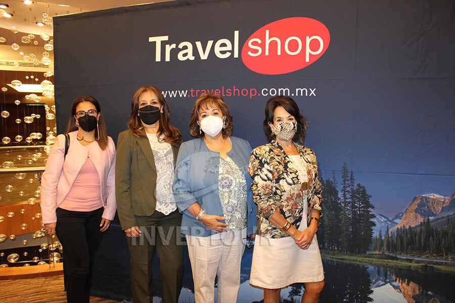 Ana Laura Serrano, Elizabeth González, Mónica Noriega y Connie Martin