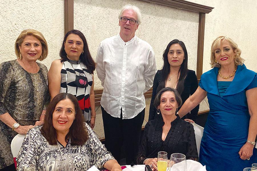 Nora Blaisten, Gaby Mendoza Gaby Lemus Muñoz Ledo, Stefan Baernert, Cuquita Ruiz, Vivi Ángeles y Patty Cervantes