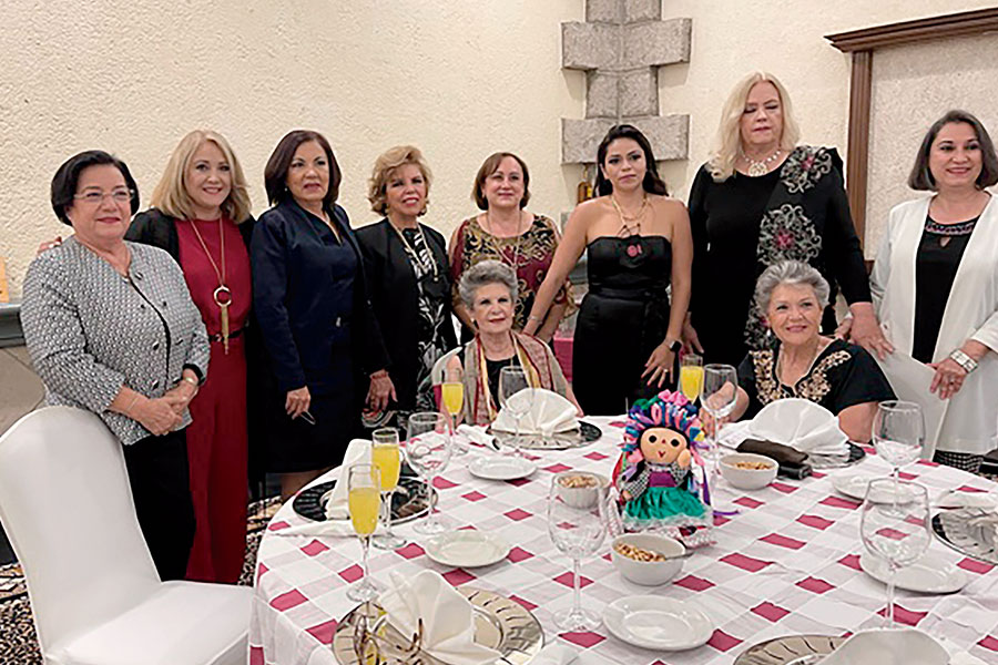 Aidee Espinoza, Nora Amaya, Celina Gallegos, Chely de la Mora Lupita Navarro, Mariana Pérez, Paz Marcela Voss, Peque Álvarez, Patricia Otero y Ana Rosa de la Mora
